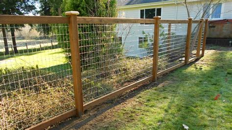 Wood Wire Mesh Fence