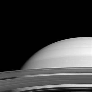 PIA10557: Saturn and Mimas