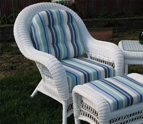 White Wicker Loveseat by 46 Best Wicker Loveseats Images On Loveseats