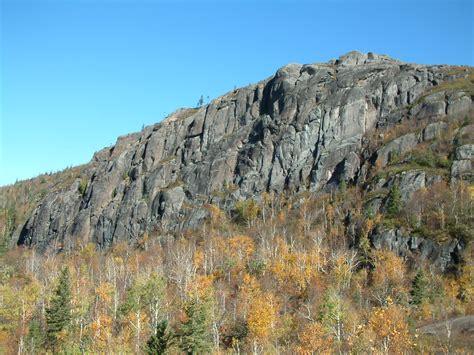 file escarpement parc national des monts valin jpg