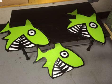 funkie big funky shark signs for big hed designs painted big hed signs sharks signs
