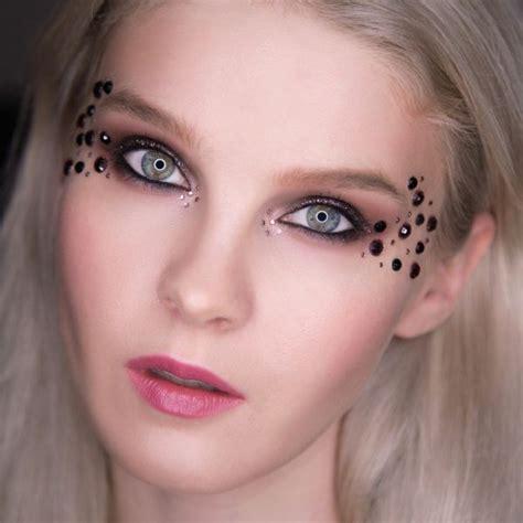 Как сделать макияж со стразами? YouTube