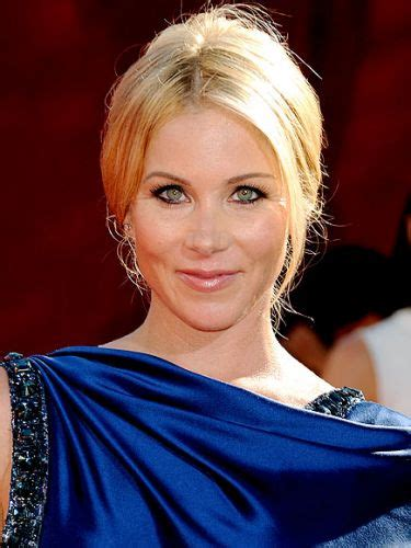 red carpet christina applegate updos messy chic
