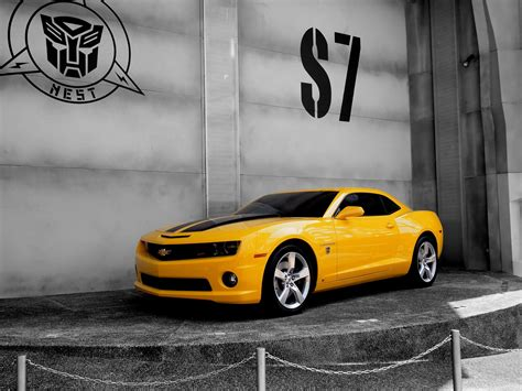 Bumblebee Car Wallpaper by Cars Bumblebee Yellow Cars Transformer Camaro Wallpaper