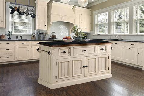 tuscan retreat  drawer  door large granite top kitchen