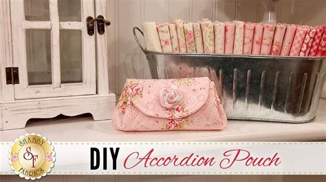 shabby fabrics accordion pouch diy accordion pouch with jennifer bosworth of shabby fabrics my crafts and diy projects