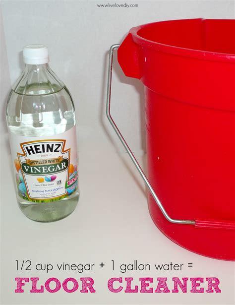 mop floor with vinegar livelovediy 10 vinegar cleaning secrets