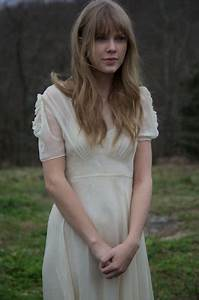 "Taylor Swift - ""Safe and Sound"" behind the scenes"