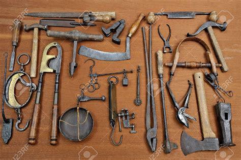 school   tools follow   die