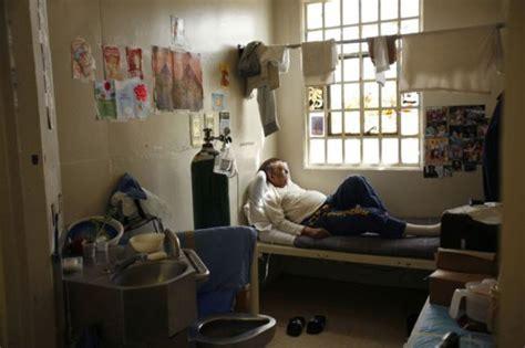 interieur d une prison la vie 224 l int 233 rieur d une prison de haute s 233 curit 233 us