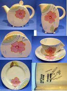 1159 best Clarice Cliff pottery images on Pinterest ...