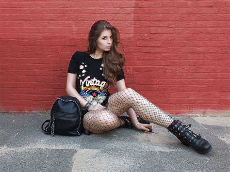 annesfashionlove sacha boots band shirt dress