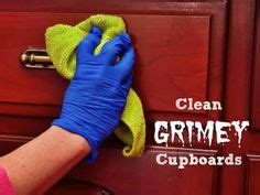 how to clean grimy kitchen cabinets cleaning wood cabinets on wood cabinet cleaner 8547