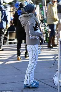 Jet Set Paris : paris hilton looks glamorous in ski suit in snowy aspen daily mail online ~ Medecine-chirurgie-esthetiques.com Avis de Voitures