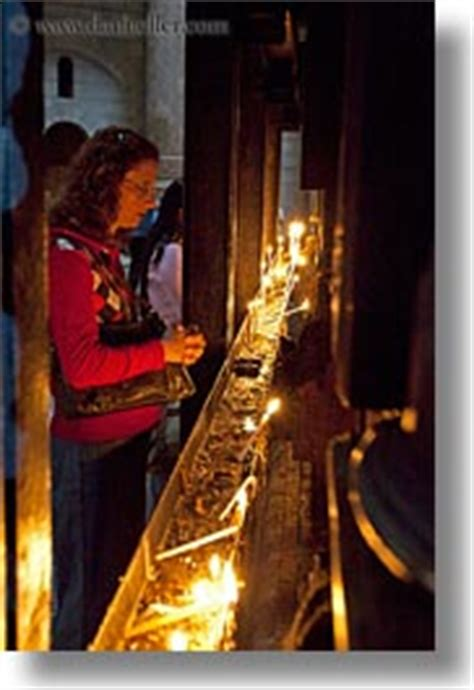 candle lighting jerusalem photos pictures of holy sepulchre