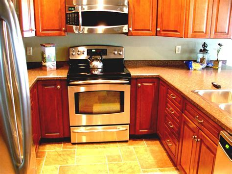 Wonderful U Kitchen Design With White Granite Countertops