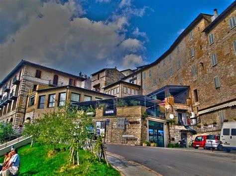 camino toscano ruta franciscana el camino de santiago toscano donde viajar