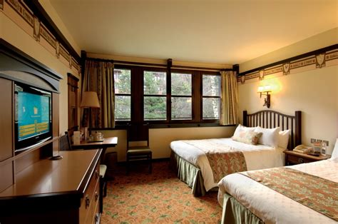 chambre golden forest sequoia lodge the disneyland hotels 3 half of the hotel pole has