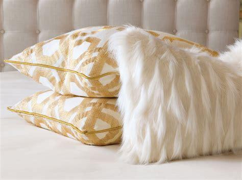 Home Decor Pillows : Luxebedpillows3_web