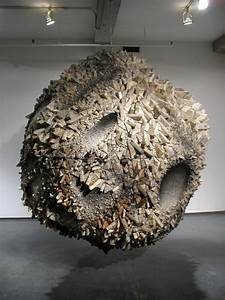 Sophie munns visual eclectica thinking sculpture for Otherworldly paper sculptures by chun kwang young