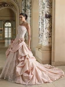 brautkleid farbig rosa brautkleid für einen ösen hochzeits look archzine net