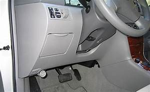Where Is Fuse Box On Toyota Hiace