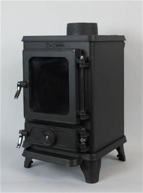hobbit cast iron stove britmarine
