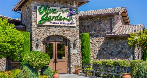 olive garden augusta ga muslim family visits olive garden in the south gets