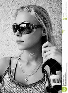 Fille Noir Et Blanc : la belle fille noir et blanc photo stock image 5257110 ~ Melissatoandfro.com Idées de Décoration