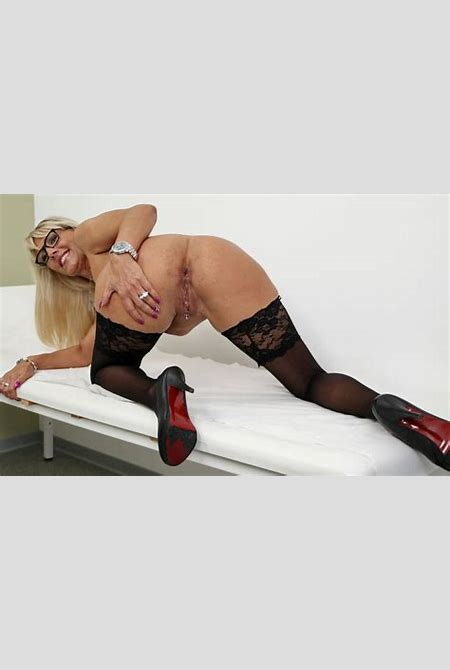 Lana Vegas (42) aus Hannover - Real German Teen- and MILF erotic amateur portal
