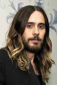 Cheveux Long Homme Conseil : cheveux long homme exemples et astuces pour se pousser les cheveux longs ~ Medecine-chirurgie-esthetiques.com Avis de Voitures