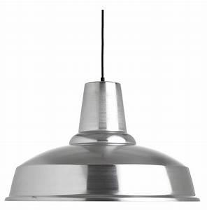 Lampe Pour Cuisine : une cuisine effet m tal galerie photos d 39 article 10 11 ~ Teatrodelosmanantiales.com Idées de Décoration