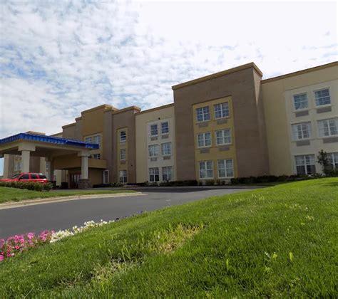 comfort inn gasl comfort inn suites allen park mi dtw airport park