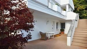 Sonnenrollo Für Terrasse : ihr holzboden f r terrasse balkon ~ Frokenaadalensverden.com Haus und Dekorationen