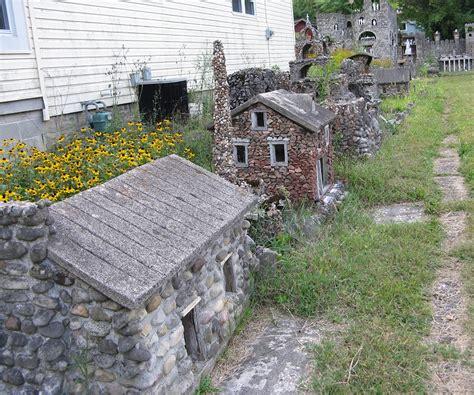 cast in concrete ben hartman s houses