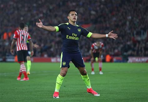 arsenal offer alexis sanchez mega salary   chilean