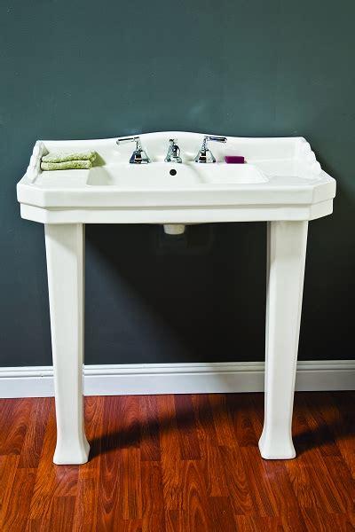 console sink  legs