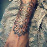 les  beaux modeles de tatouage mandala femme  leur