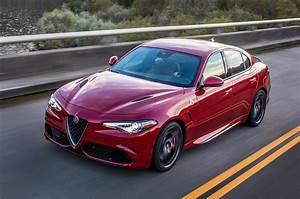 Alfa Romeo Giula : 2018 alfa romeo giulia reviews and rating motor trend ~ Medecine-chirurgie-esthetiques.com Avis de Voitures