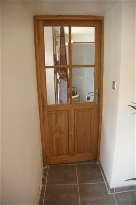 la porte de la cuisine carrelage au sol de la cuisine fini ou presque notre maison