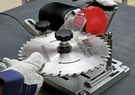 sharpen  table  blade tools guardian