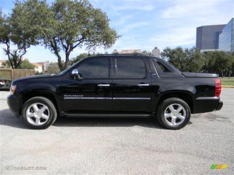 Black 2012 Chevrolet Avalanche Ltz Exterior Photo
