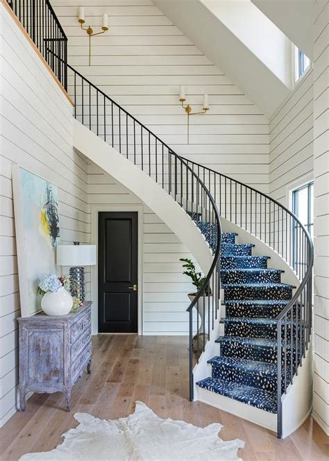 blue antelope staircase runner  winding staircase