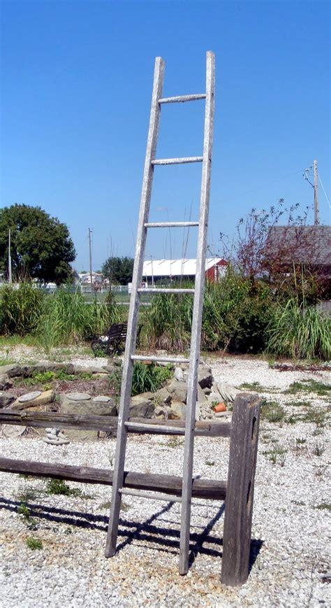 rustic vintage 7 rung wood ladder