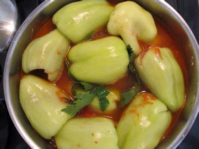 cuisiner des poivrons verts poivrons farcis punjene paprike recette pas à pas avec photos