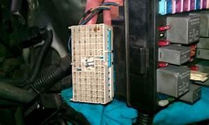 Kia Spectra  Faulty Fuse Box