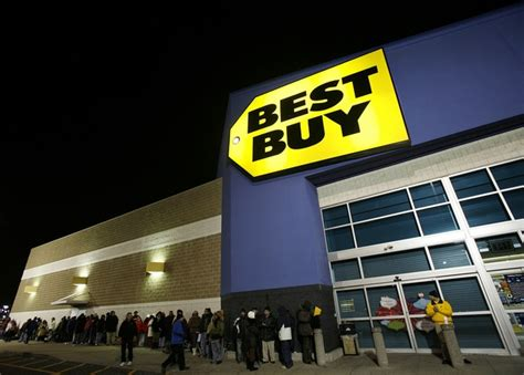 These Best Buy Stores Will Be Open Until Midnight For