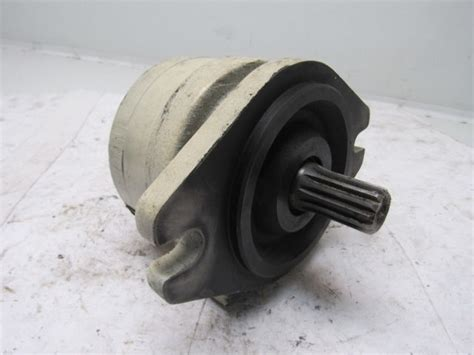 parker   bs  hydraulic motor  spline  shaft bullseye industrial sales