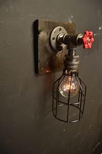 Lampe Murale Industrielle : 15 steampunk luminaire bois applique murale industrielle lampe ancienne home decor ~ Teatrodelosmanantiales.com Idées de Décoration