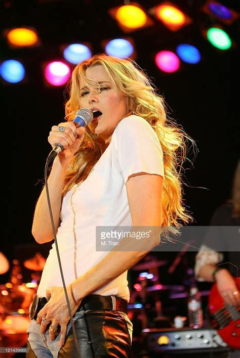 Lucy Lawless In Concert At The Roxy January 14 2007 Photos ...